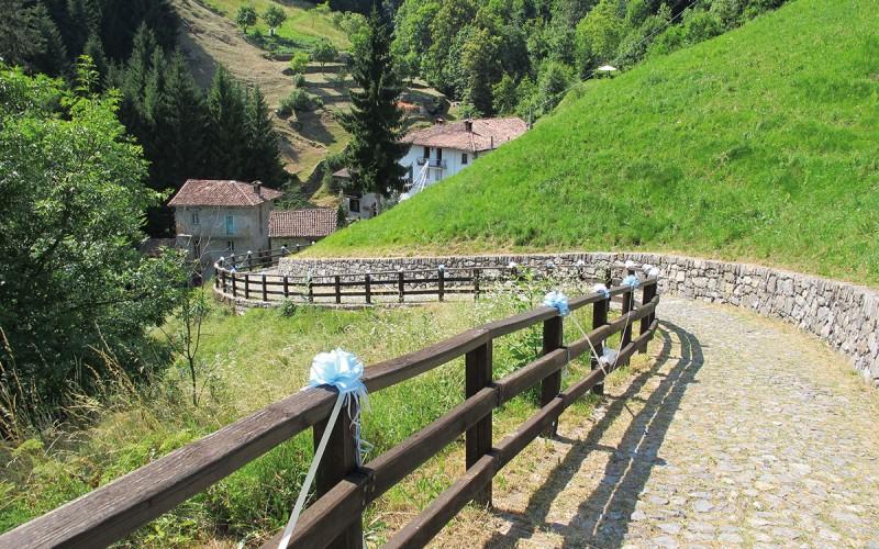 Passeggiata verso il Santuario della foppa