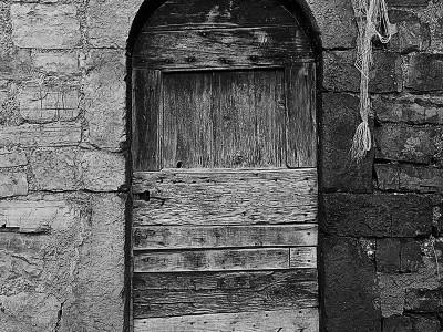 foto_pietra_porta_02.jpg