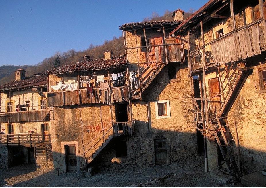 BREMBILLA - PONTE LAMBRO – CERRO - CATREMERIO
